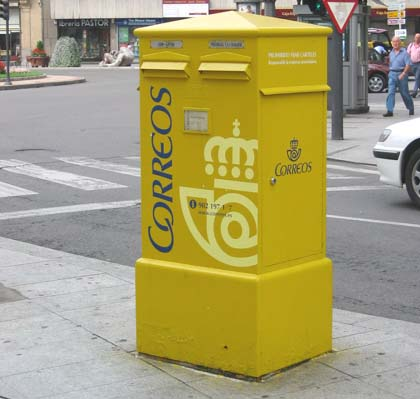 Echar una carta buzones de correo barrio h medo leon - Buzon de correos ...